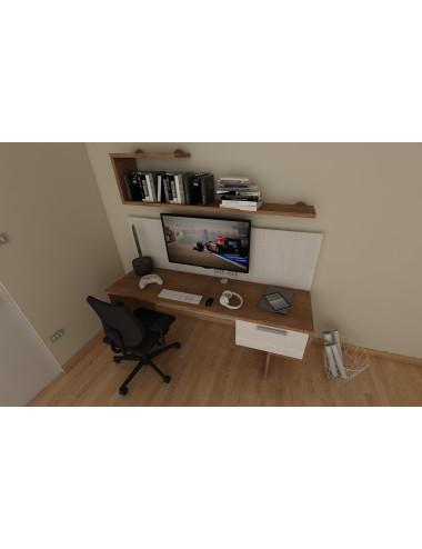 Angolo studio scrivania...